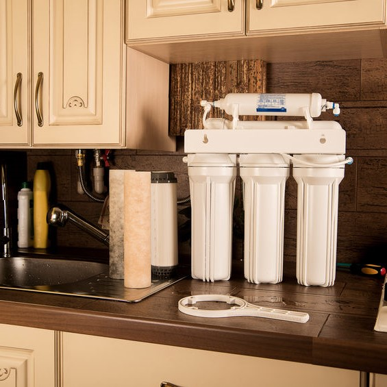 water filtration on the counter top